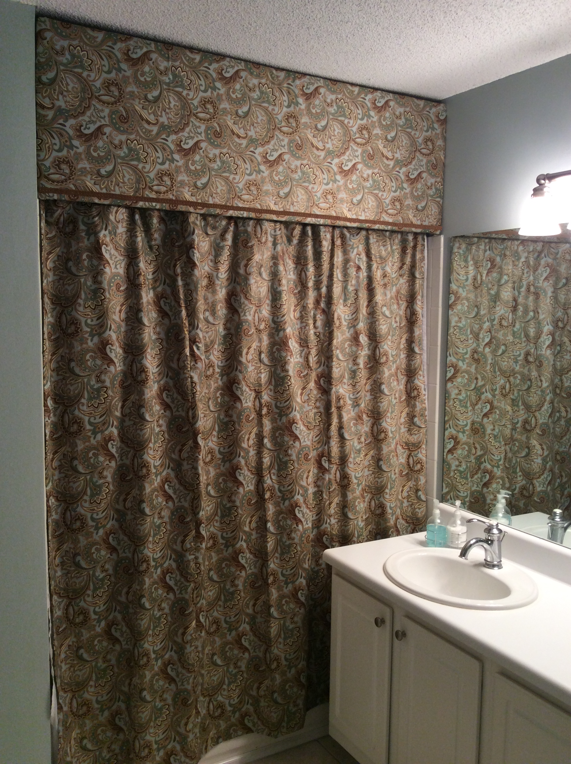 Shower curtain with cornice - Img_0111